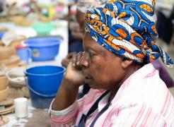 woman-at-bead-factory-Nairobi