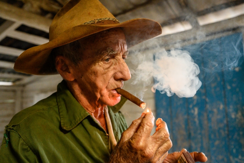 Cuban farmer - 1st cigar of the day