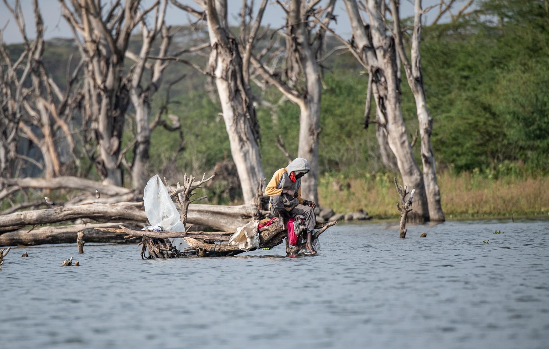 Lake-Naivasha-fisherman-color