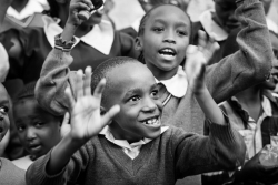 children-sisnging-in-Nairobi