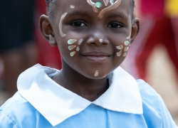 girl-with-face-painted-Nairobi