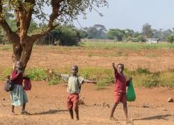 kids-on-side-of-the-road-Kenya